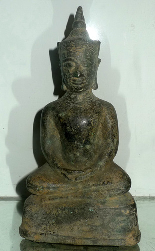 K6920-UT Ayutthaya Buddha giant amulet  Status : Inquire Click on picture for enlarge