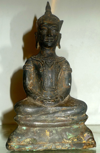 K6940-UT Ayutthaya Buddha giant amulet  Status : Inquire Click on picture for enlarge