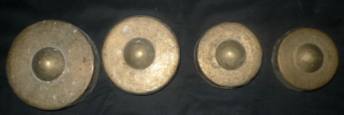 Set of 16 small gongs