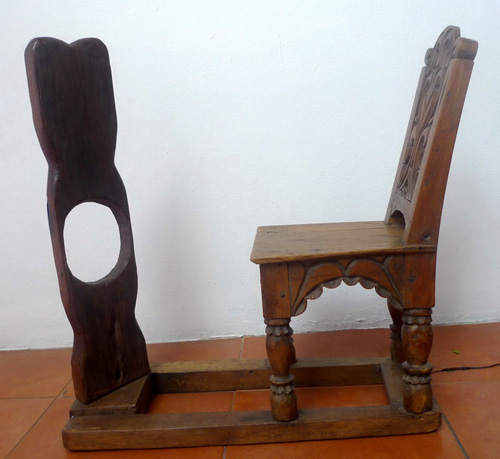 Chair and frame to cut tobacco leaves