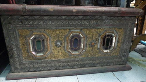 K8540-RE Temple Chest  Status : Inquire Click on picture for enlarge