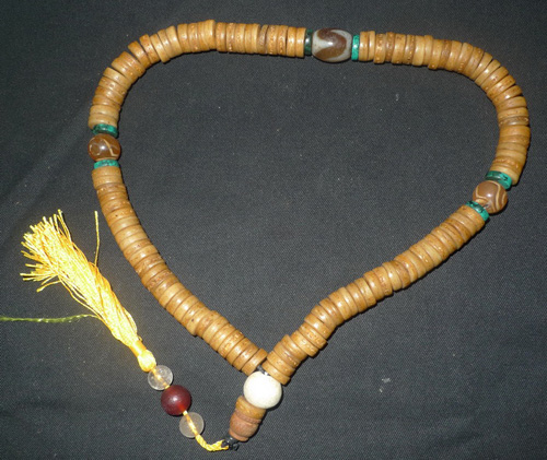 K9210-NX Mala 108 beads and 3 dzi beads  Status : Inquire Click on picture for enlarge