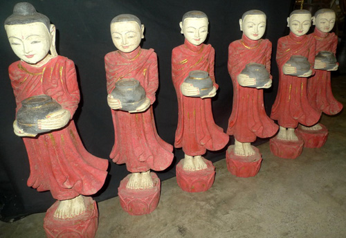 Set of 1 Buddha + 5 monks (better by wholesale)