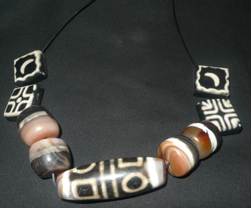 L0160-RE Dzi dzi beads necklace  Status : Available Click on picture for enlarge
