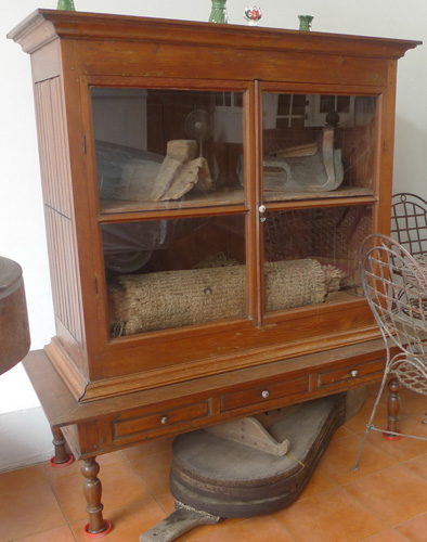 L6410-ST Silversmith cupboard  Status : Inquire Click on picture for enlarge