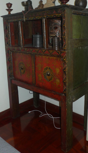 L6420-HS Temple cupboard  Status : Inquire Click on picture for enlarge