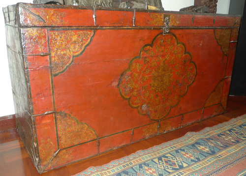 L7240-TR Tibetan chest w. motive drawn by ghesso  Status : Available Click on picture for enlarge