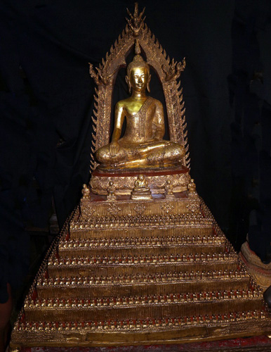 Ratanakosin Buddha on big base