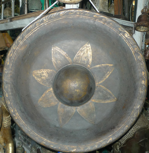 L7500-EA Gong  Status : Available Click on picture for enlarge