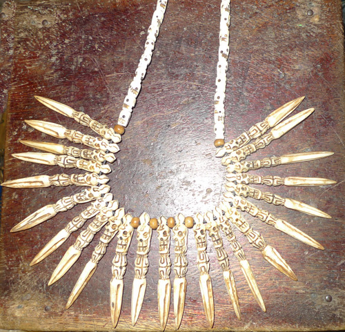 L8450-NX 23 beads shaman necklace  Status : Inquire Click on picture for enlarge