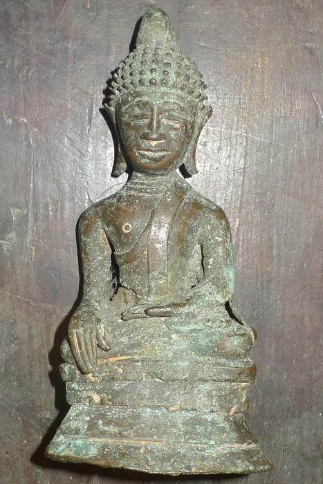 Folk Ayutthaya Buddha
