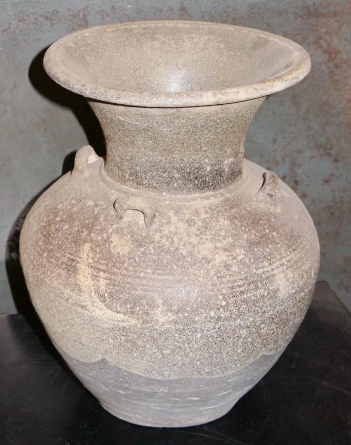 Sangkalon Sukhothai Vase