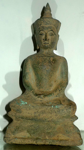 Ayutthaya Buddha giant amulet