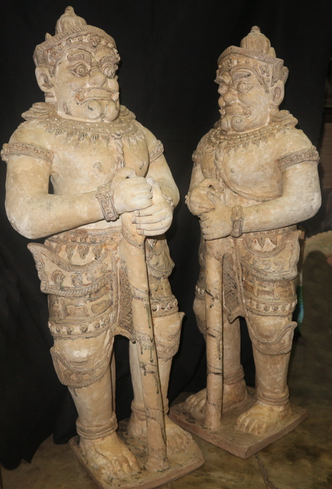Pair of guards - Yaksa