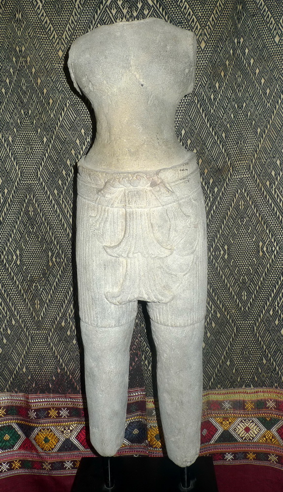Khmer deity torso, Preah Koh period