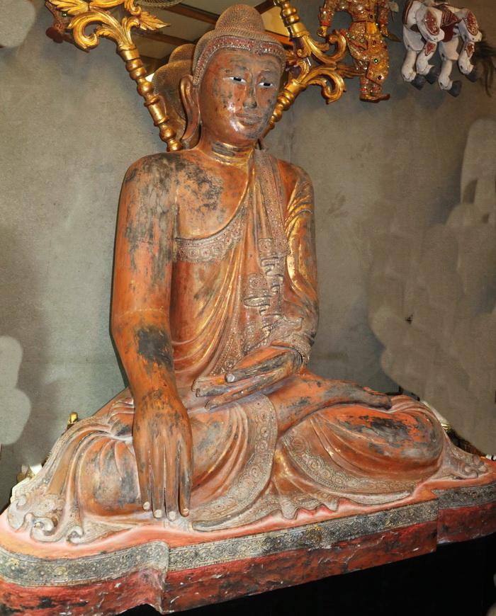 Giant Mandalay Buddha