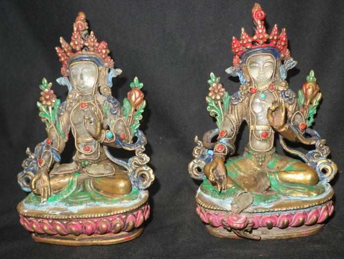 Pair of Tara (green and white)