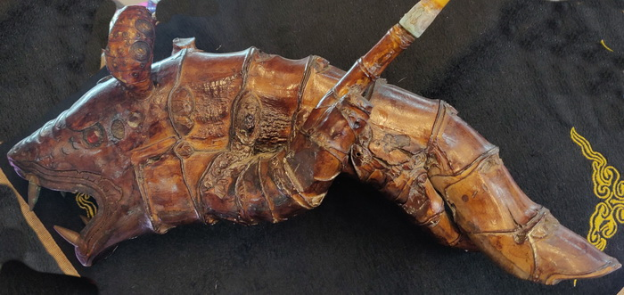 Opium pipe with sea monster shape