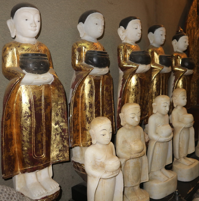 Set of 1 Buddha and 4 monks