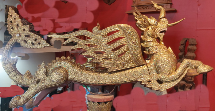 Pair of flying dragons - mongkorn. Recently gilded