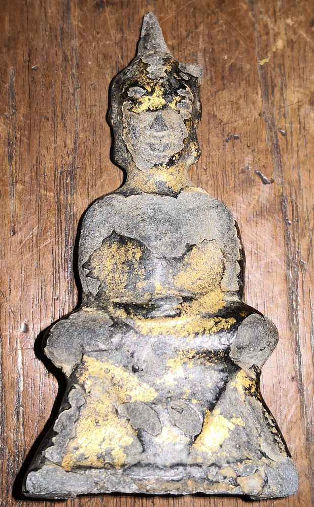 Typical Ayutthaya Buddha amulet