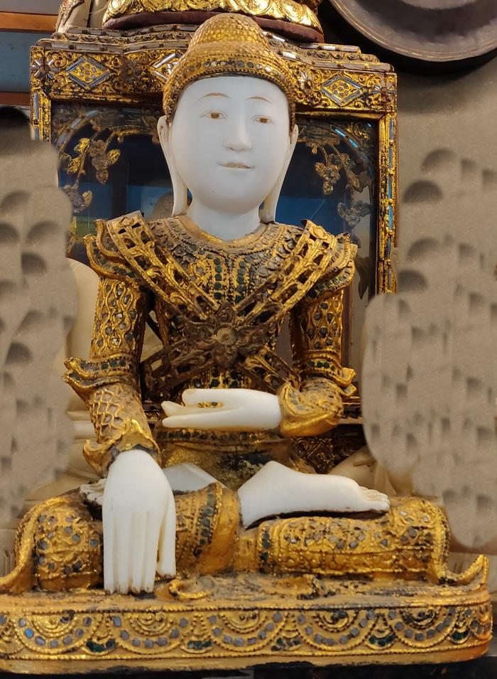 Temple Mandalay Buddha