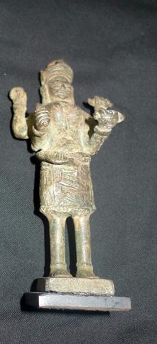4 armed Khmer deity