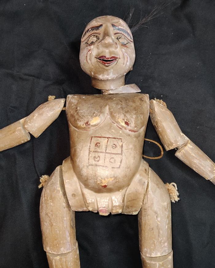 Marionette, bringnig luck