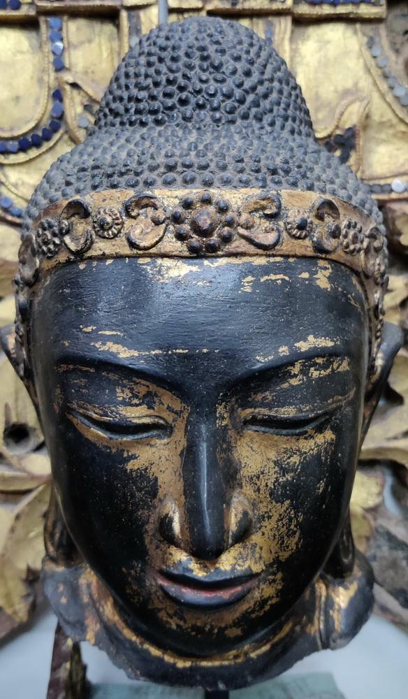 Mandalaay Buddha head