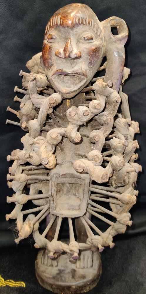 Nkondi figure (voodoo)